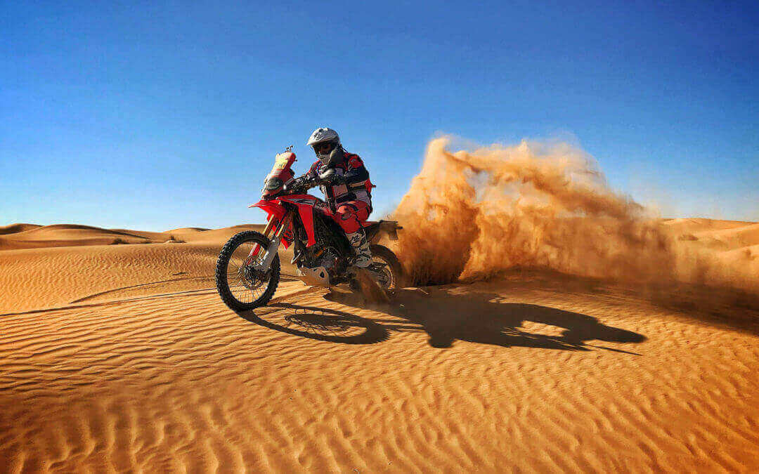 We start 2020 in the Moroccan desert, enjoying the motorcycles.