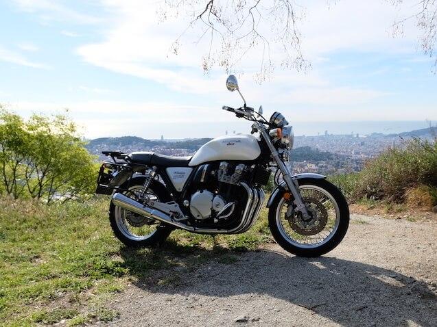 BB1100EX moto clasica Honda