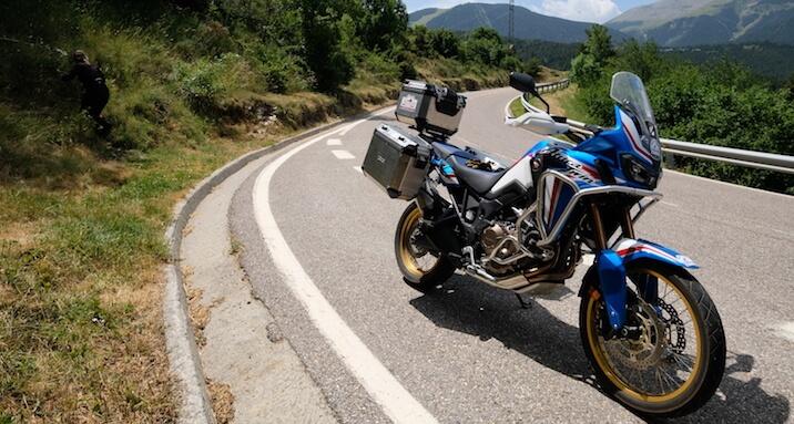 5 razones para alquilar una moto para viajar