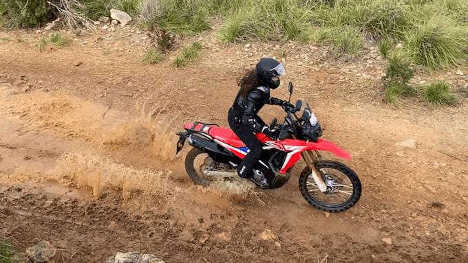 CRF Honda moto para hacer off road de alquiler