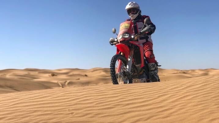 Moto CRF250 Rally plus en el Dakar de alquiler en Barcelona