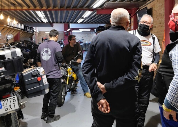Reunion de motos en Barcelona en PauTravelMoto