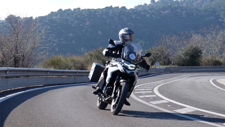 Alquilar moto BMW F750 GS Barcelon