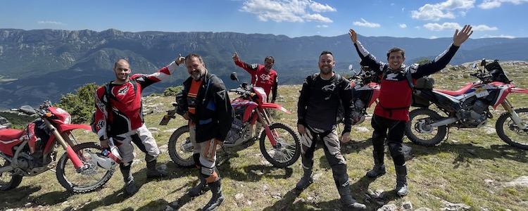 Alquilar moto offroad con amigos en Barcelona